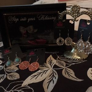 4 pair of a variety of Paparazzi earrings